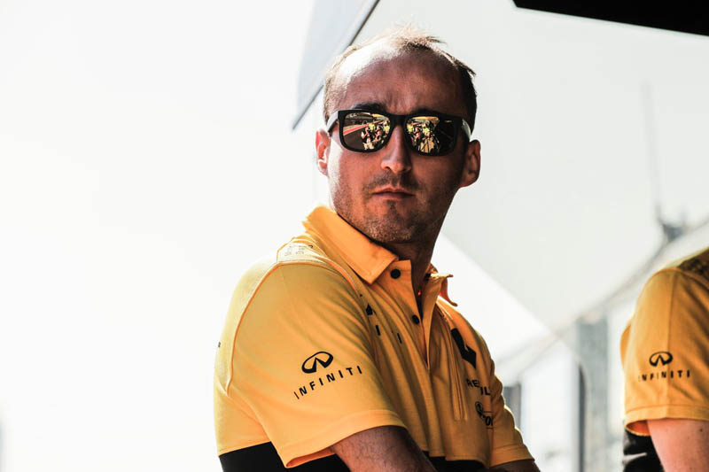 Robert Kubica impresses on F1 return with Renault