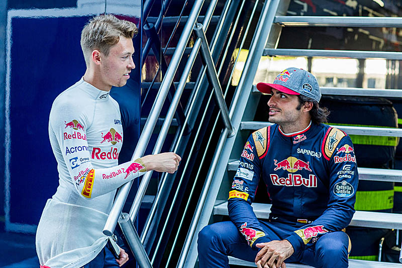 Toro Rosso confirm Kvyat for 2017