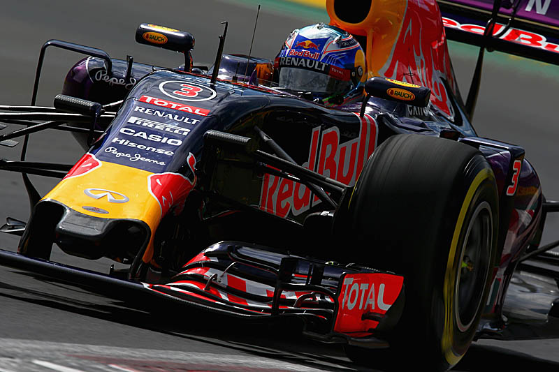76cc77b40a13f Christian Horner has confirmed that his team has secured an engine deal for  2016.