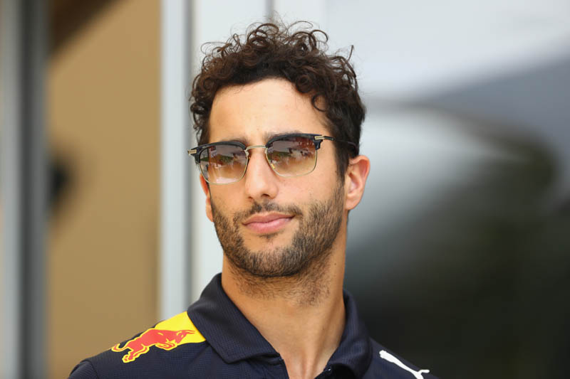 Ricciardo hit with grid penalty