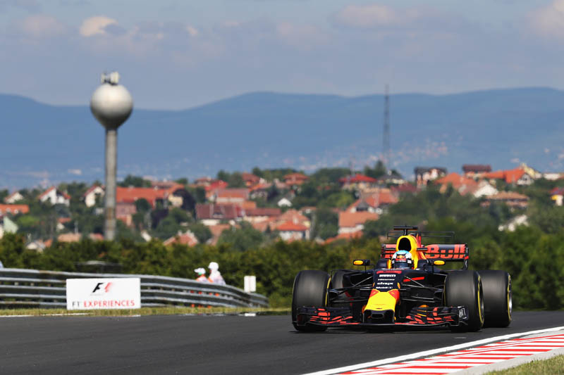 Daniel Ricciardo sets early pace at Hungarian Grand Prix