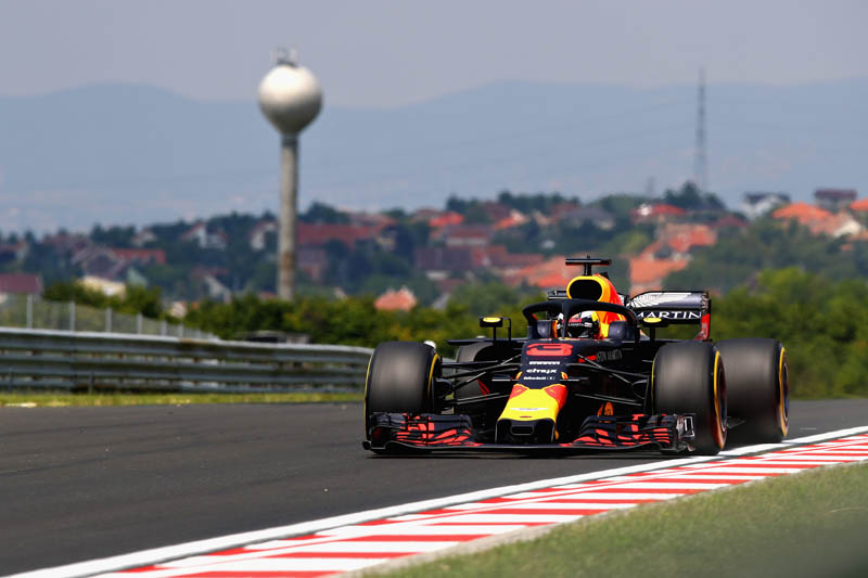 F1: Daniel Ricciardo gives finger to Valtteri Bottas at Hungarian GP