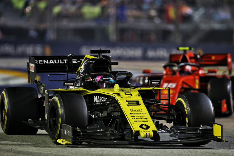 Disqualification rocks Dan Ricciardo in Singapore qualifying