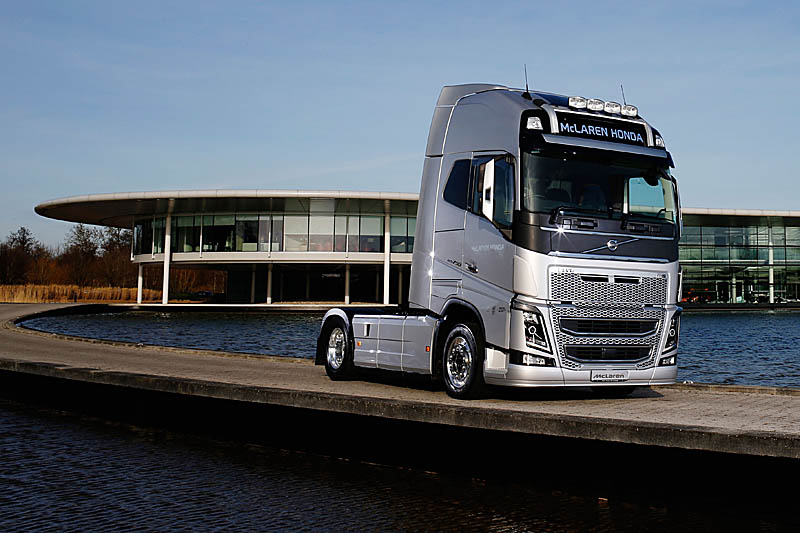 volvo trucks 2016. mclarenhonda has announced volvo trucks as an official supplier of and haulage to its f1 team 2016