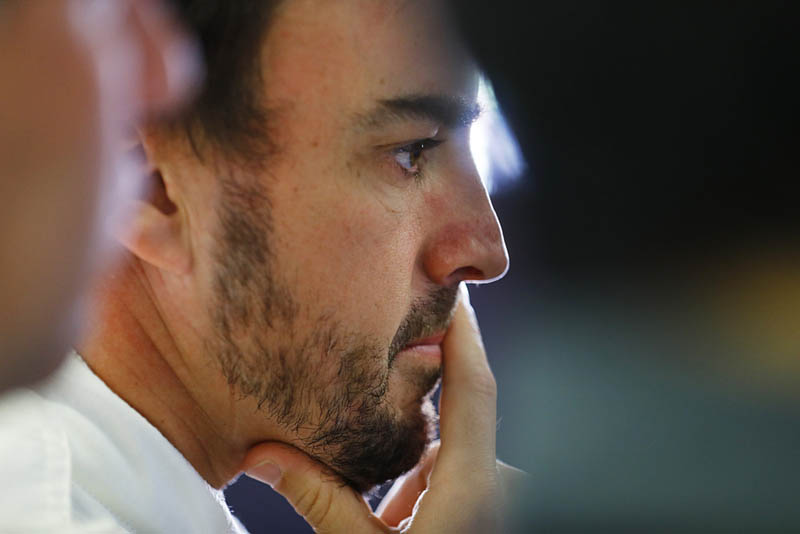 Alonso not happy with misfiring engine