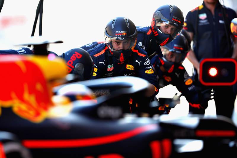 McLaren endure woeful day of testing
